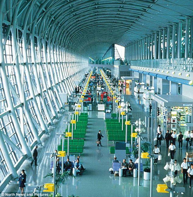 ოსაკა: Kansai აეროპორტი, ოსაკაში, იაპონია, იტალიელი დიზაინერი Renzo Piano