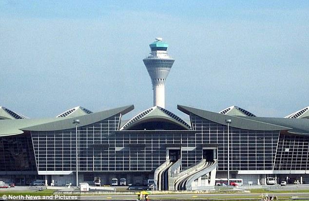 კუალა ლუმპური(Kuala Lumpur): მალაიზიის დედაქალაქის აეროპორტ იყო ერთადერთი აეროპორტი რომელიც მოხვდა ტოპ 10 სიაში